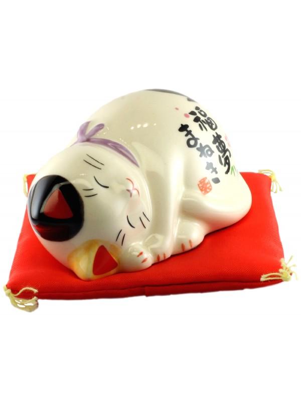 Maneki Neko gatto porta fortuna e buon auspicio