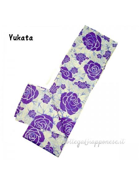 Yukata giallo chiaro e fiori violetti (Emi)
