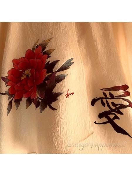 Foulard in seta dipinto a mano motivo peonia e kanji amore